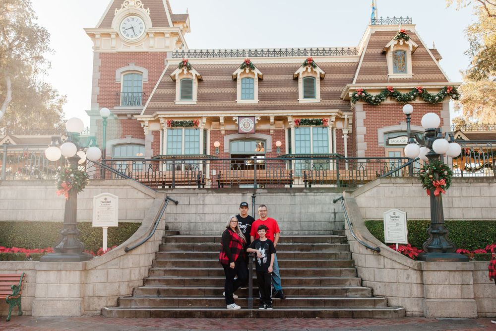 DIsneyland Disney Family Photos Anaheim California