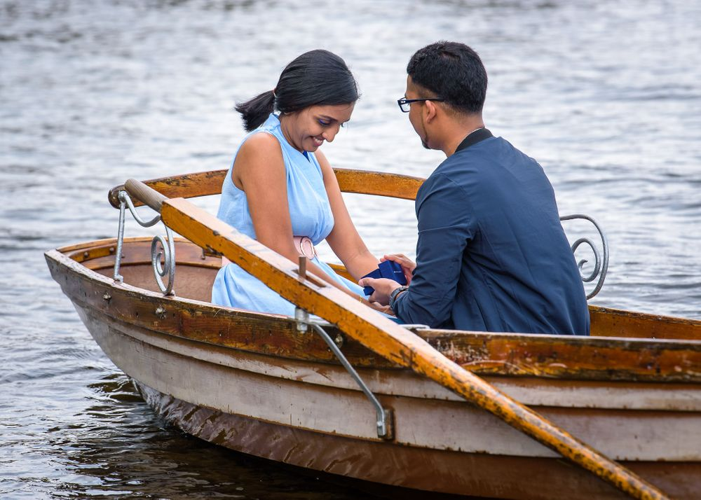 Surprise proposal on Derwentwater in Lake District