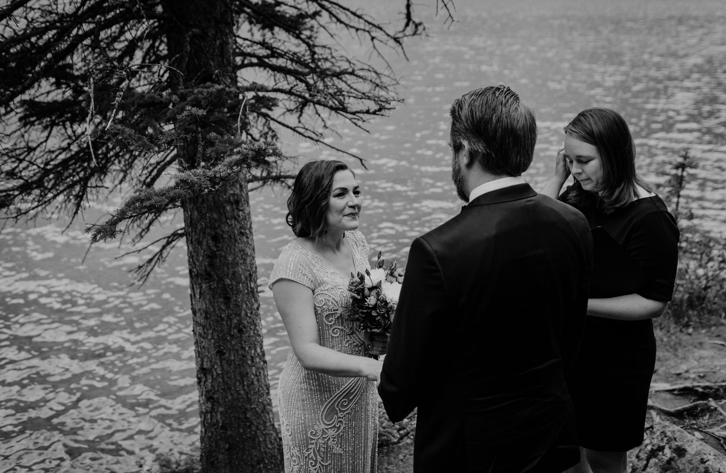 Moraine Lake Elopement Photographer