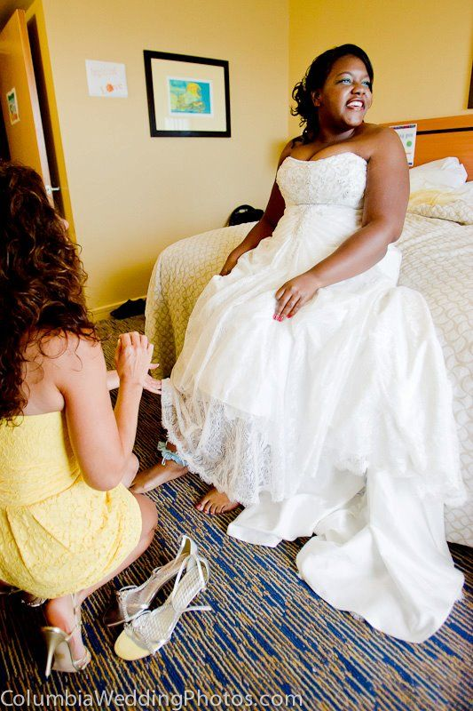 Bride gets ready before a beach wedding at Embassy Suites in Dorado, Puerto Rico