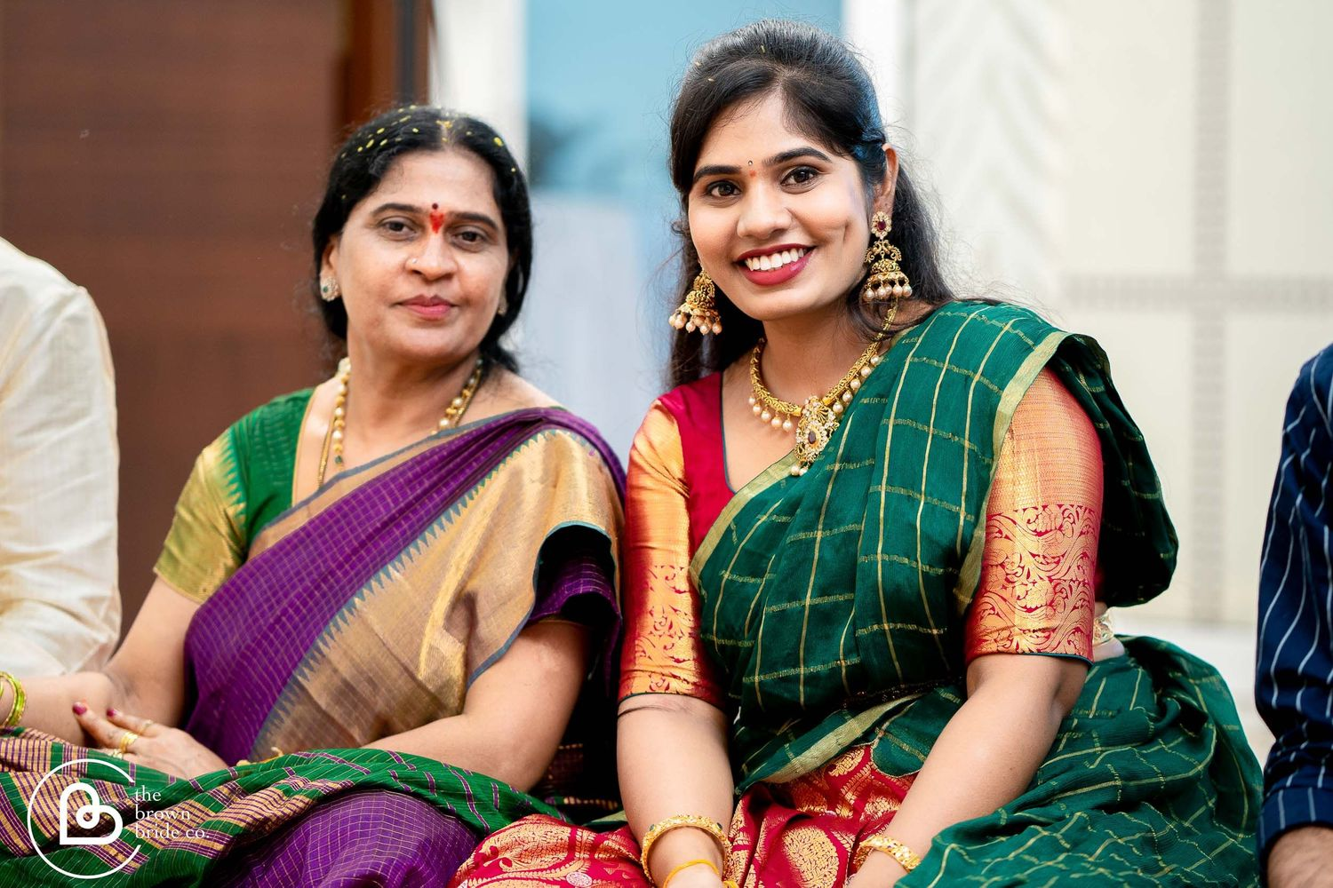 pre-wedding photo shoot daughter and mom, the brown bride photography