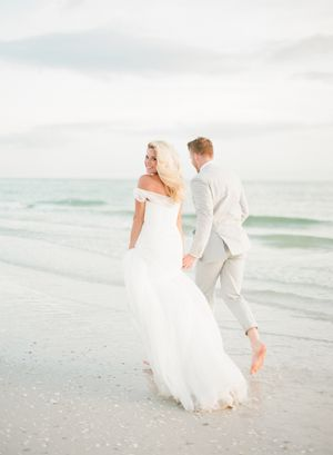 Aaron Snow Photography Oklahoma Wedding Photographer Marco Island Bride Groom Morgan Woolard Brian Morris Beach