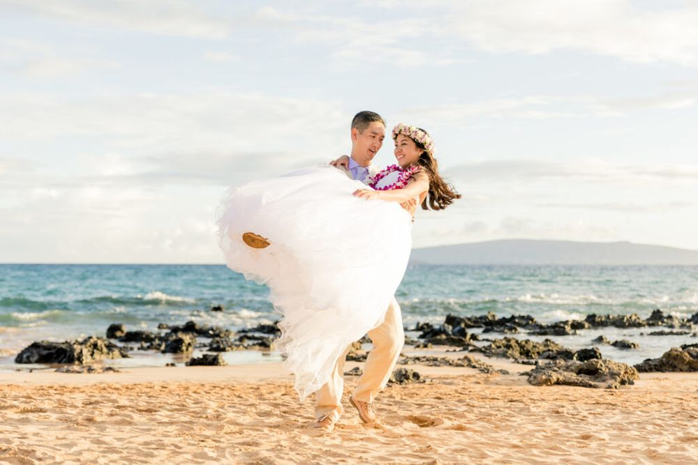 newlyweds twirling