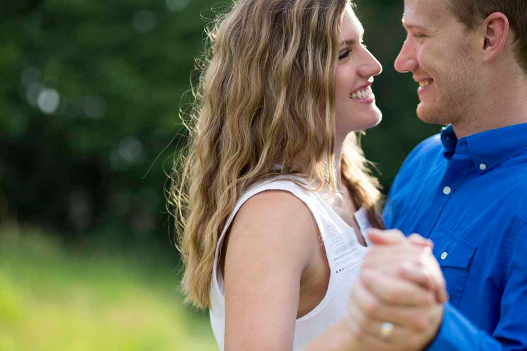 Engagment photography in Southeastern Wisconsin; Bonnie DeLap Photography