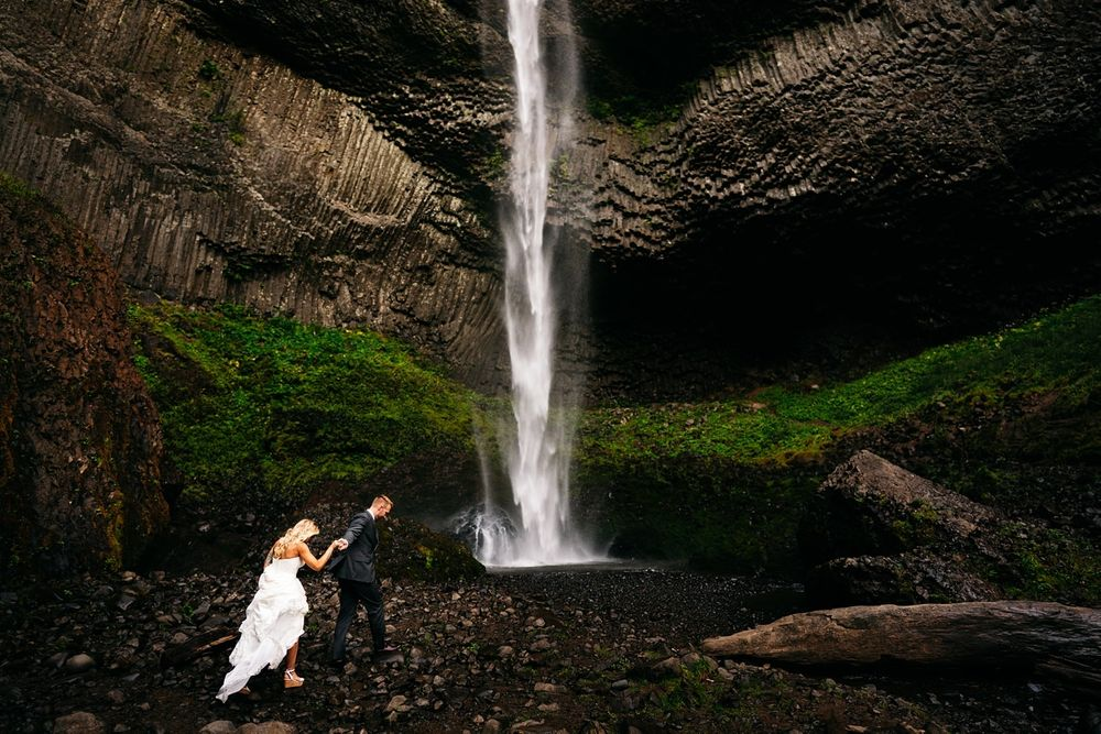 wedding waterfalls oregon intimate elopement photographer central oregon destination wedding