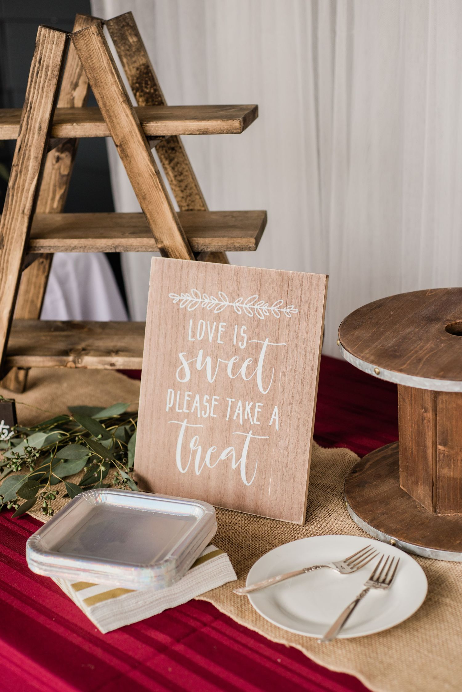 small-covid-wedding-sign