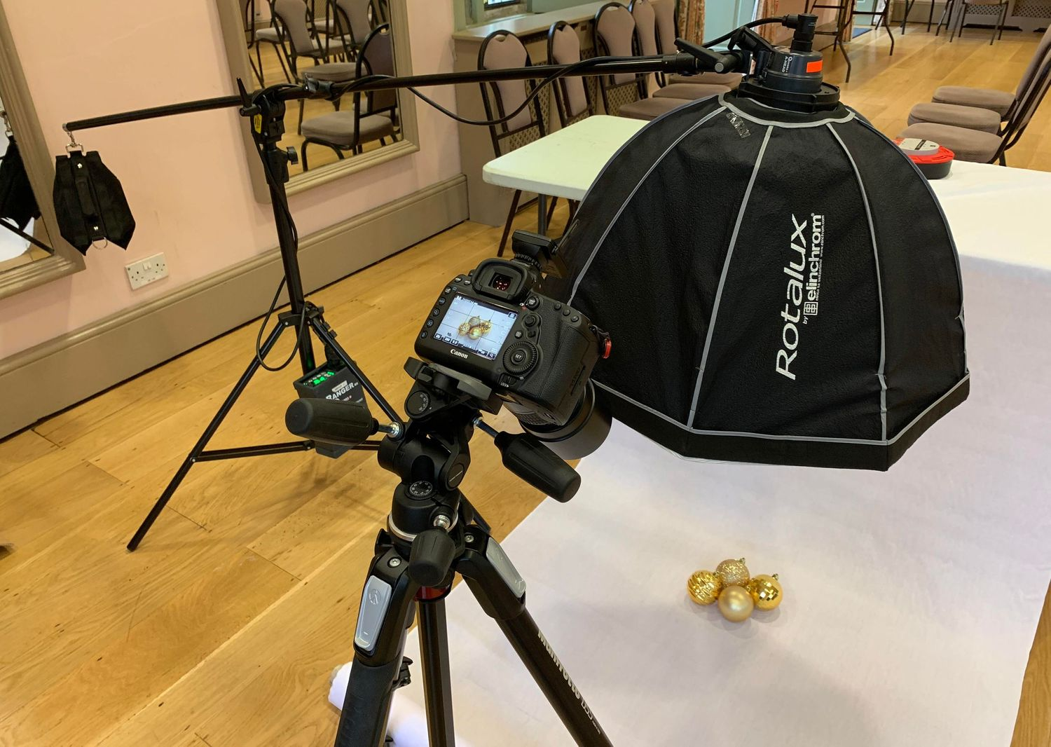 Behind the scenes photo of product photography studio by Danny Loo