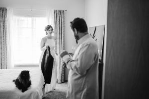 bride-groom-getting-ready-together-at-home-elopement-iowa-city-raelyn-ramey-photography