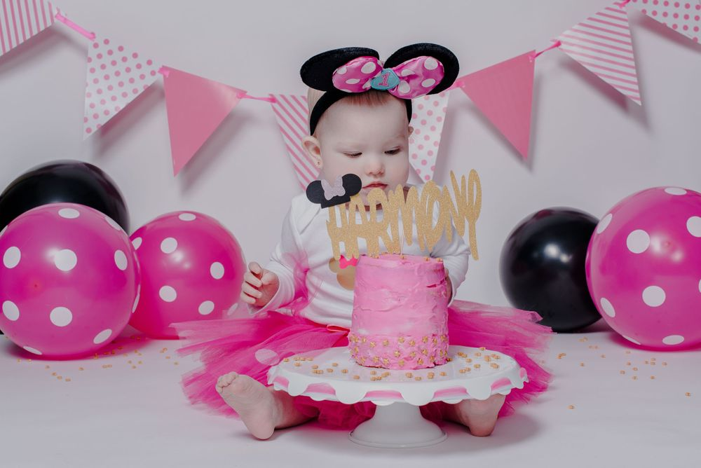 one year old minnie mouse cake smash girl