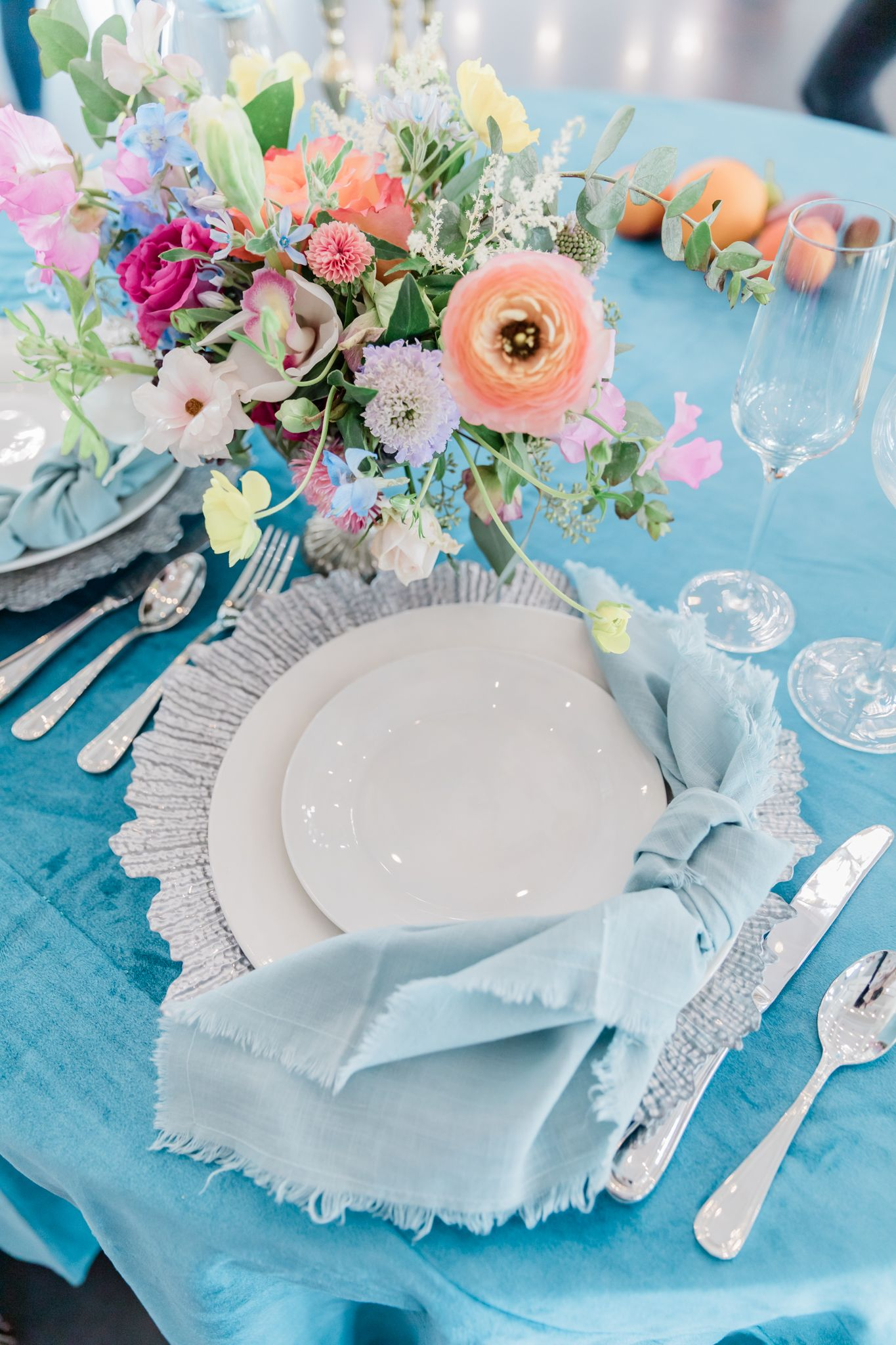 Tablescape-Floral-Wedding-Sweetheart-Table-Texas