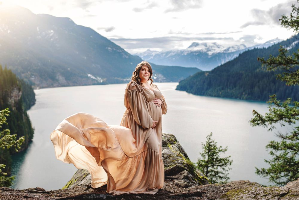 maternity photo on a cliff, plus size maternity gown