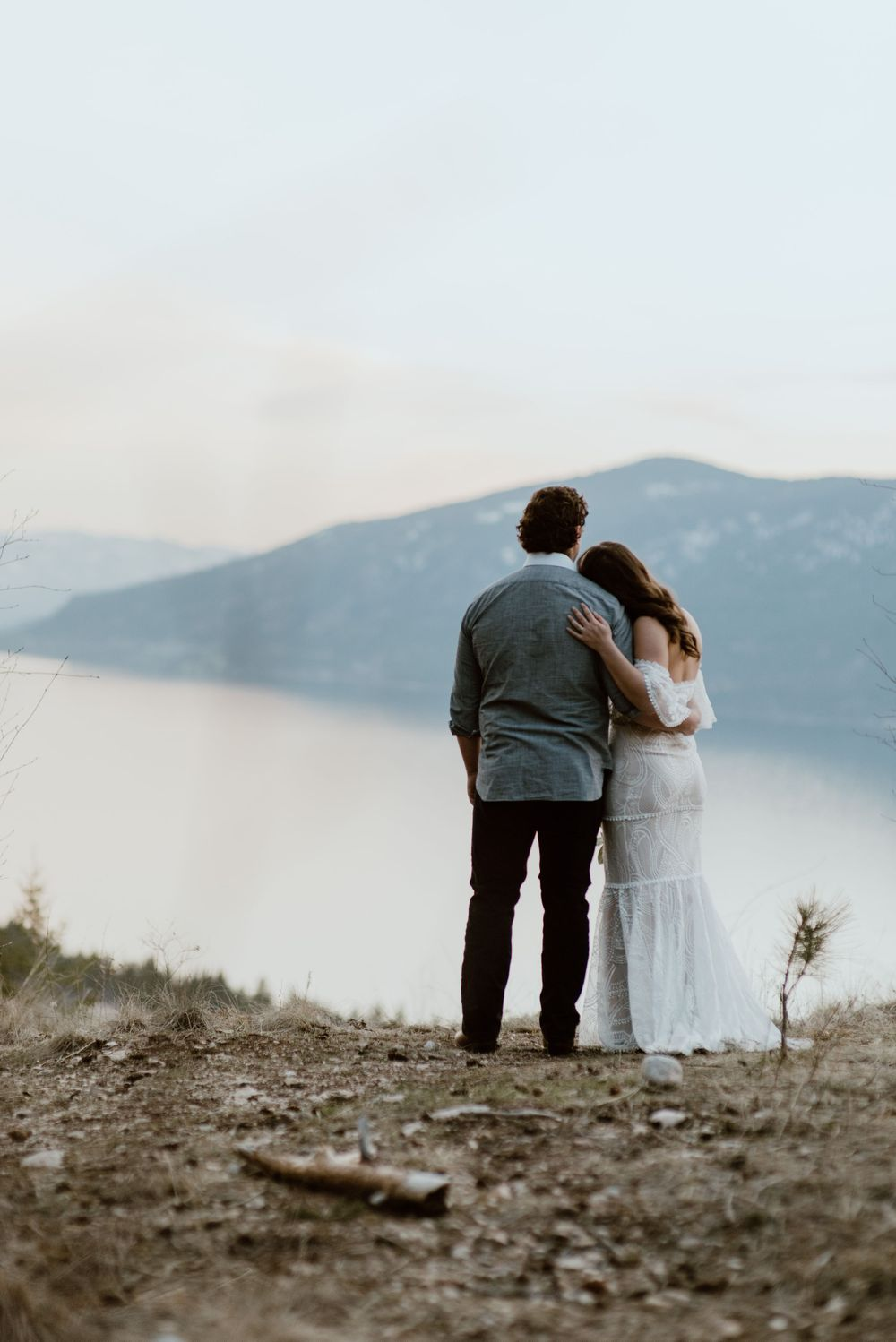 boho-bride-and-groom-eloping-on-a-mountain