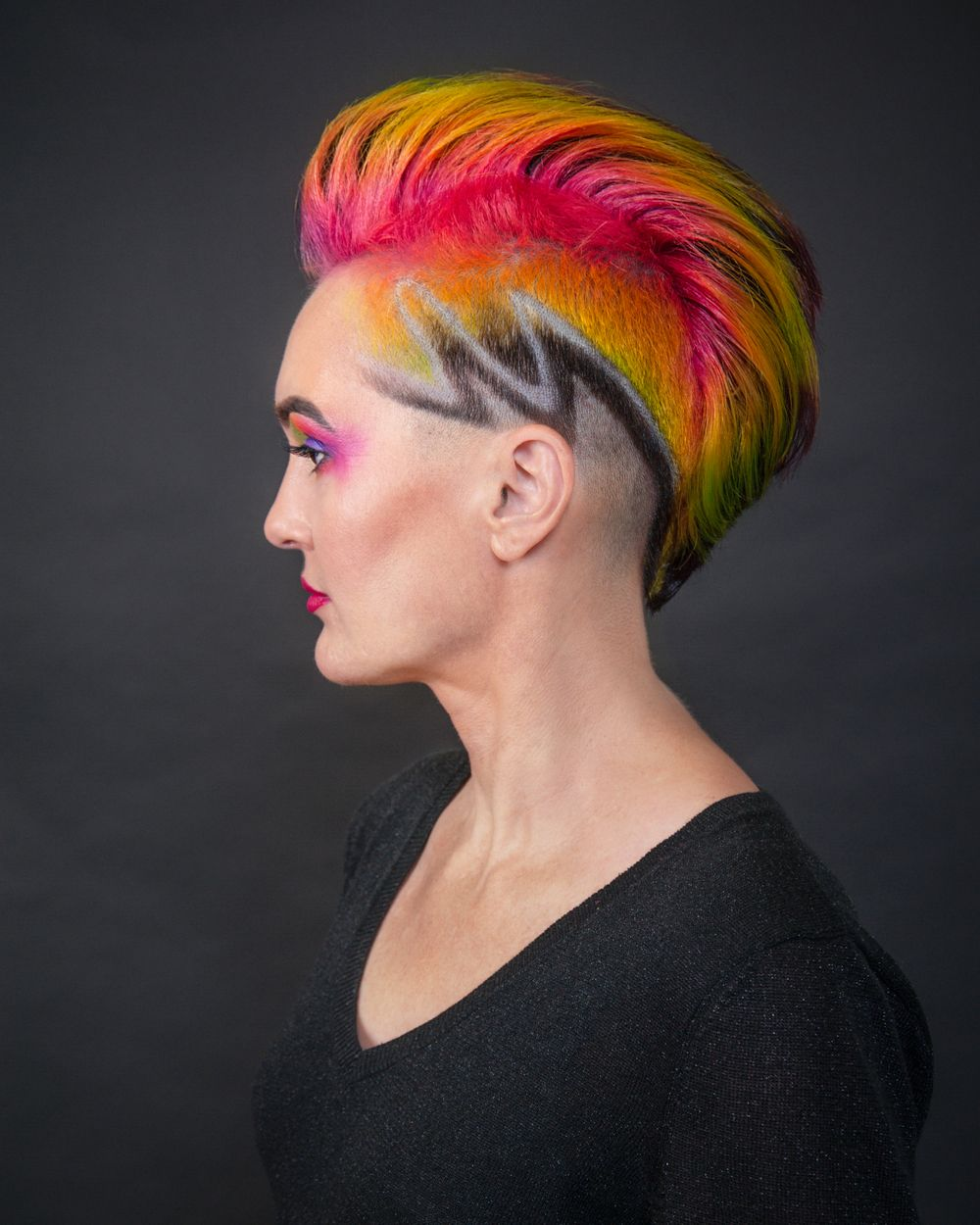 Colorful Mowhawk with zigzag razor cut