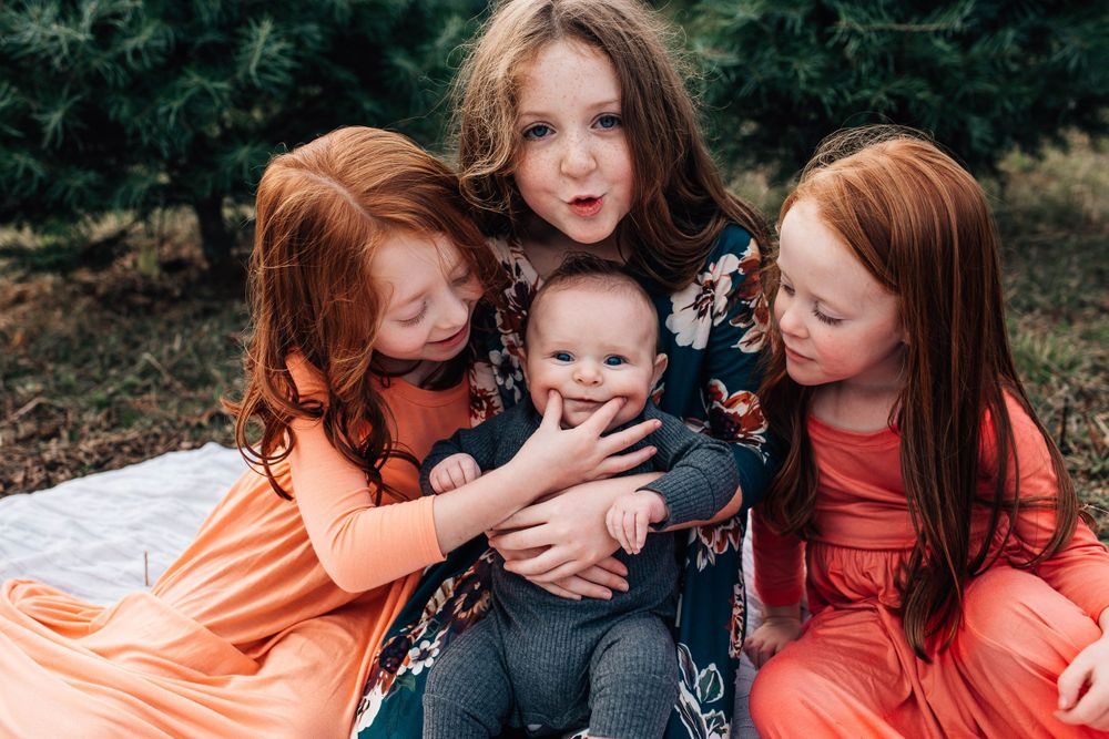 children at a worcester tree farm mini session
