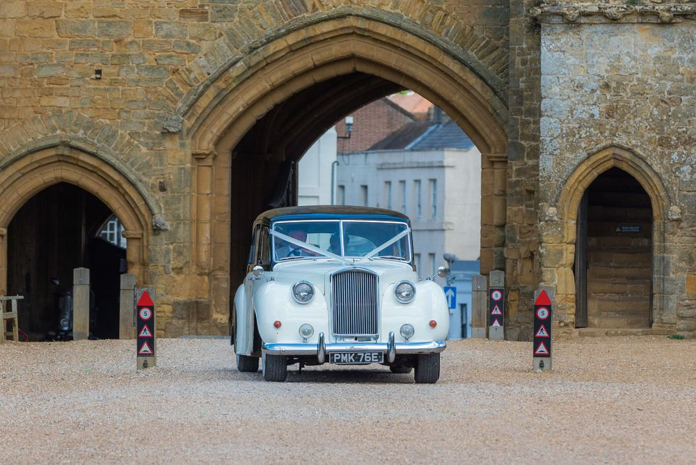 bridal car making the entrance, Robert Nelson Wedding Photography