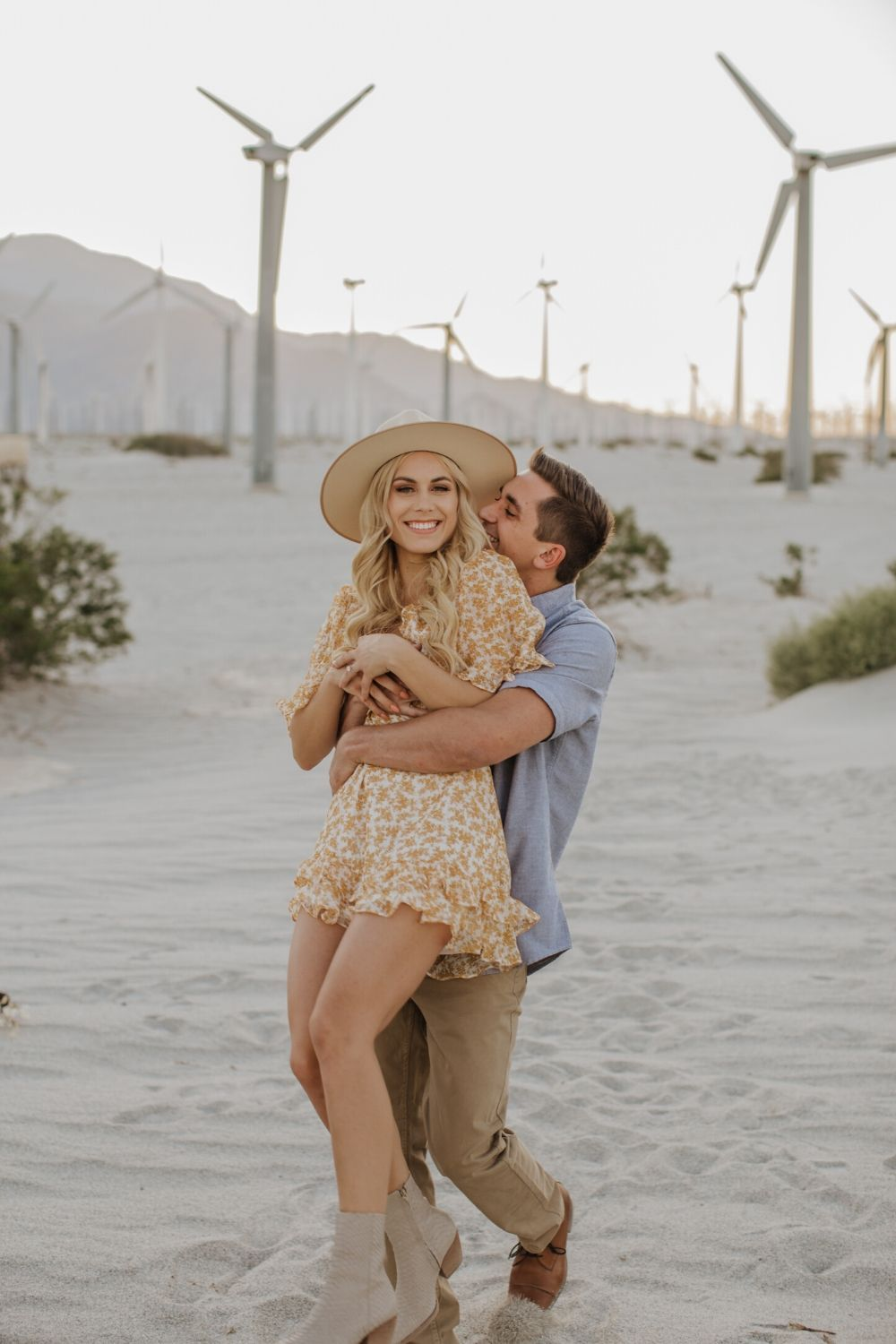 Palm Springs Wedding and Engagement Photographer // Posing Guide
