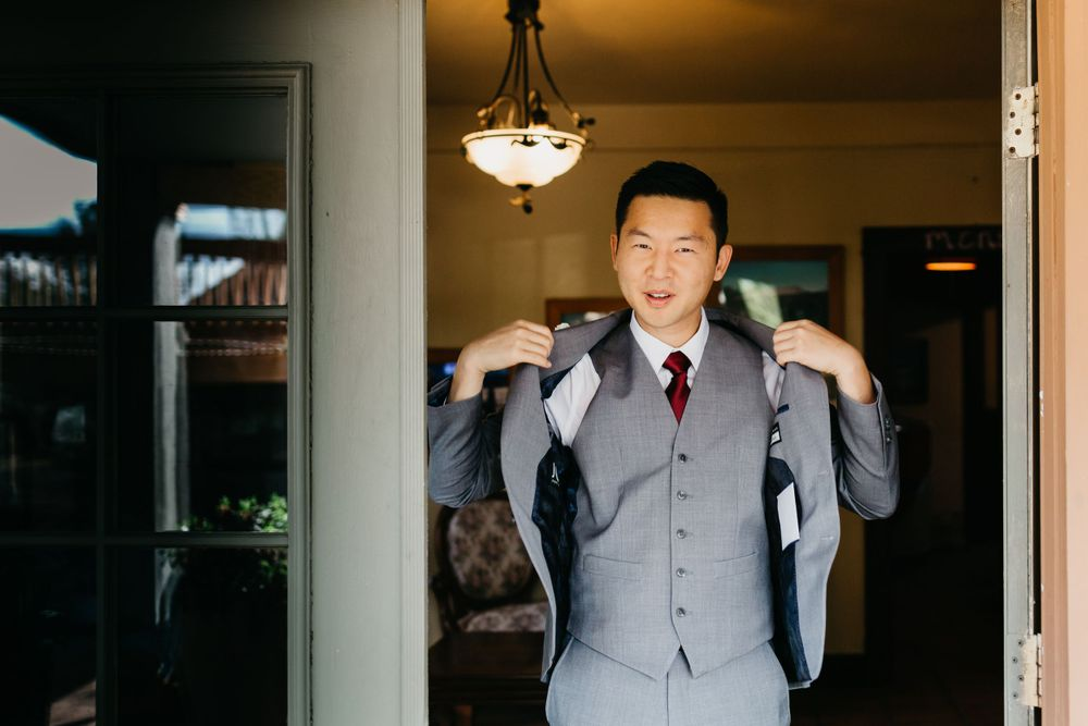Getting ready photos, Colorado Springs Wedding, Groom Portraits, Colorado Wedding, Classic Wedding