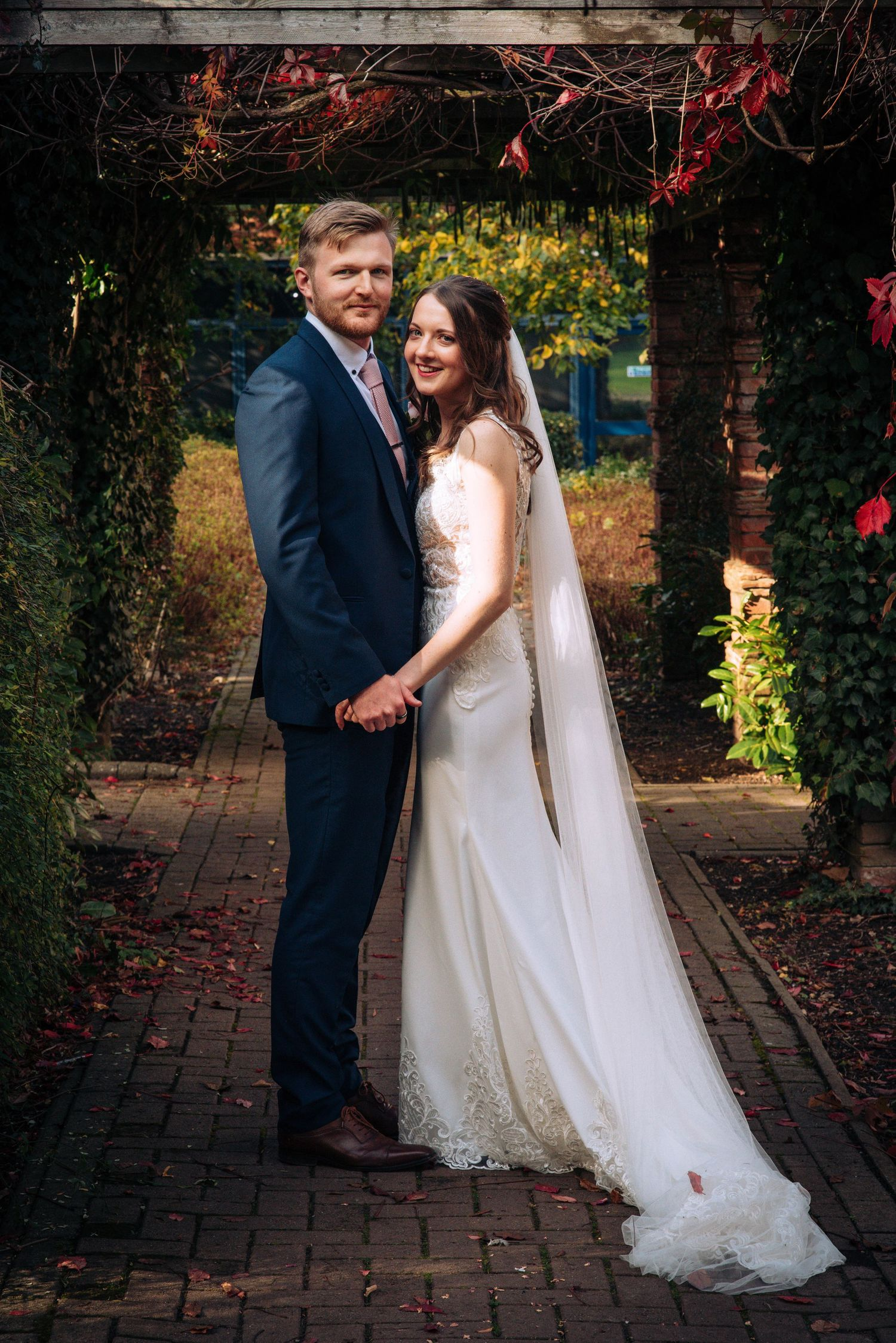 Swindon Registry office wedding by Zara Davis Photography, Gloucestershire bride and groom posed