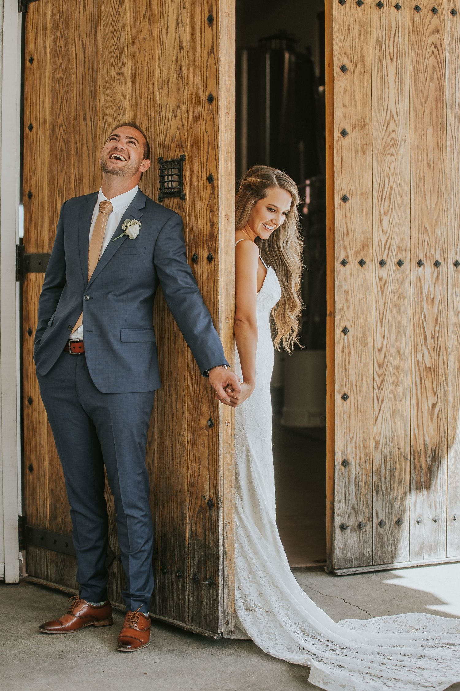 rebecca skidgle photography northen california napa wedding photographer first look bride groom romantic holding hands