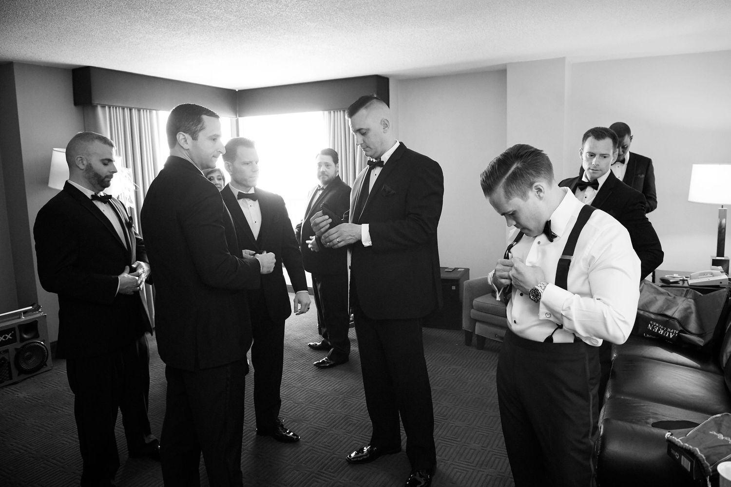 groomsmen getting ready at the Marriott in Old City Philadelphia
