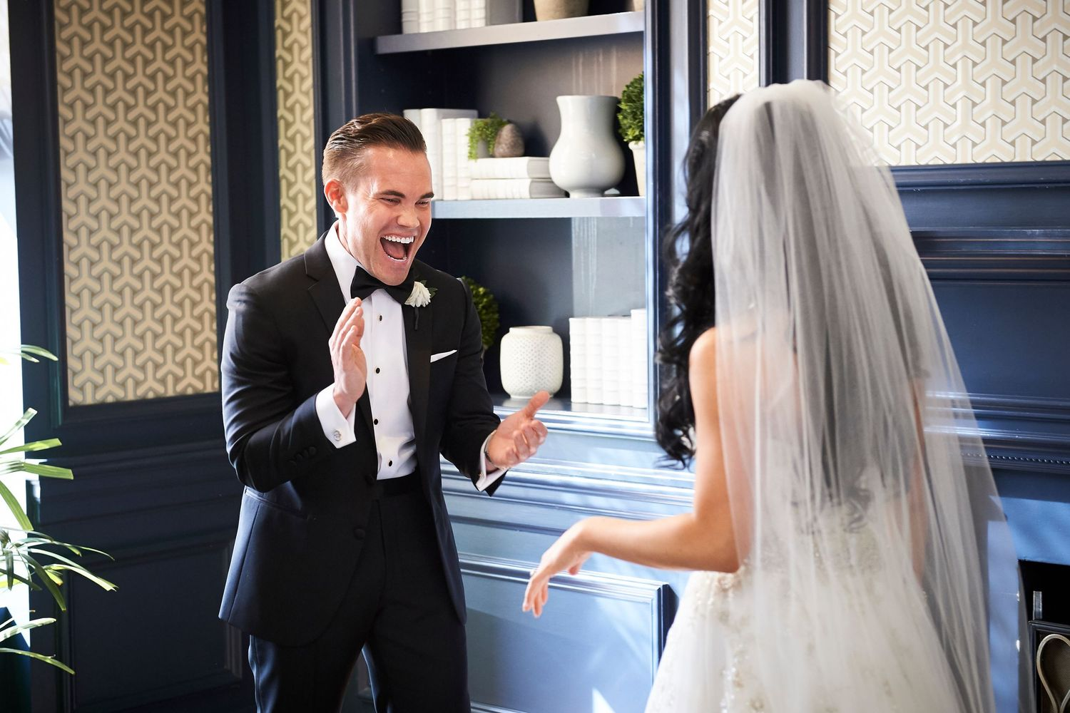 groom's reaction during first look at the Marriott in Old City Philadelphia