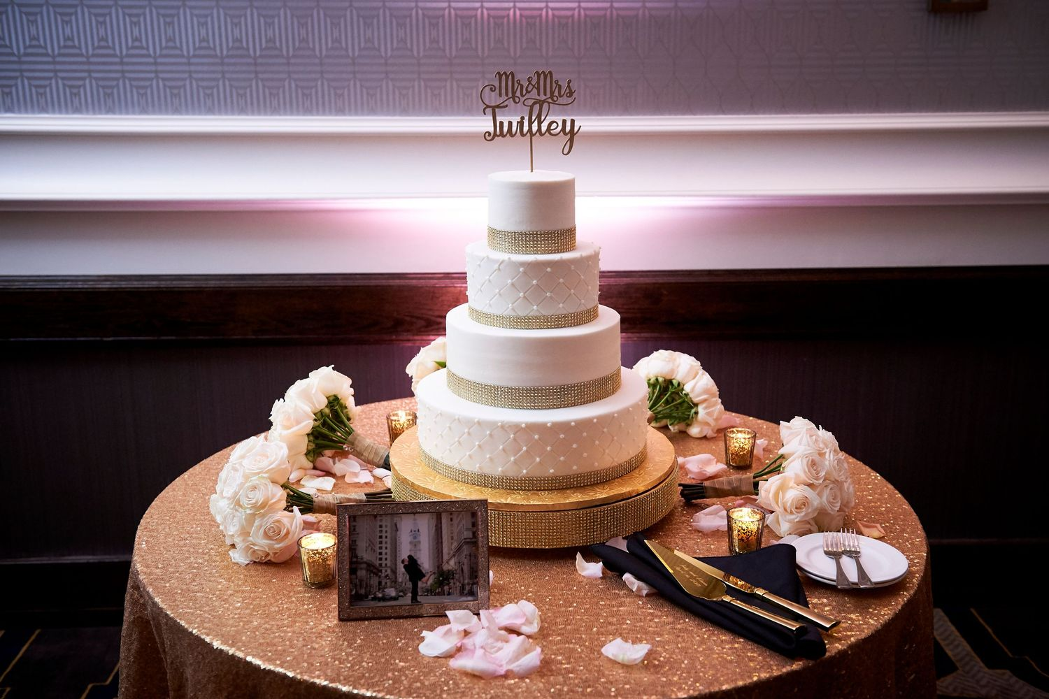 wedding cake at the Marriott in Old City Philadelphia