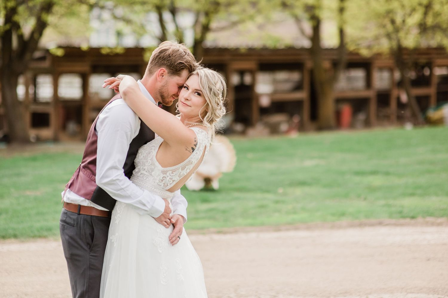 happy-couple-covid-wedding-small-wedding