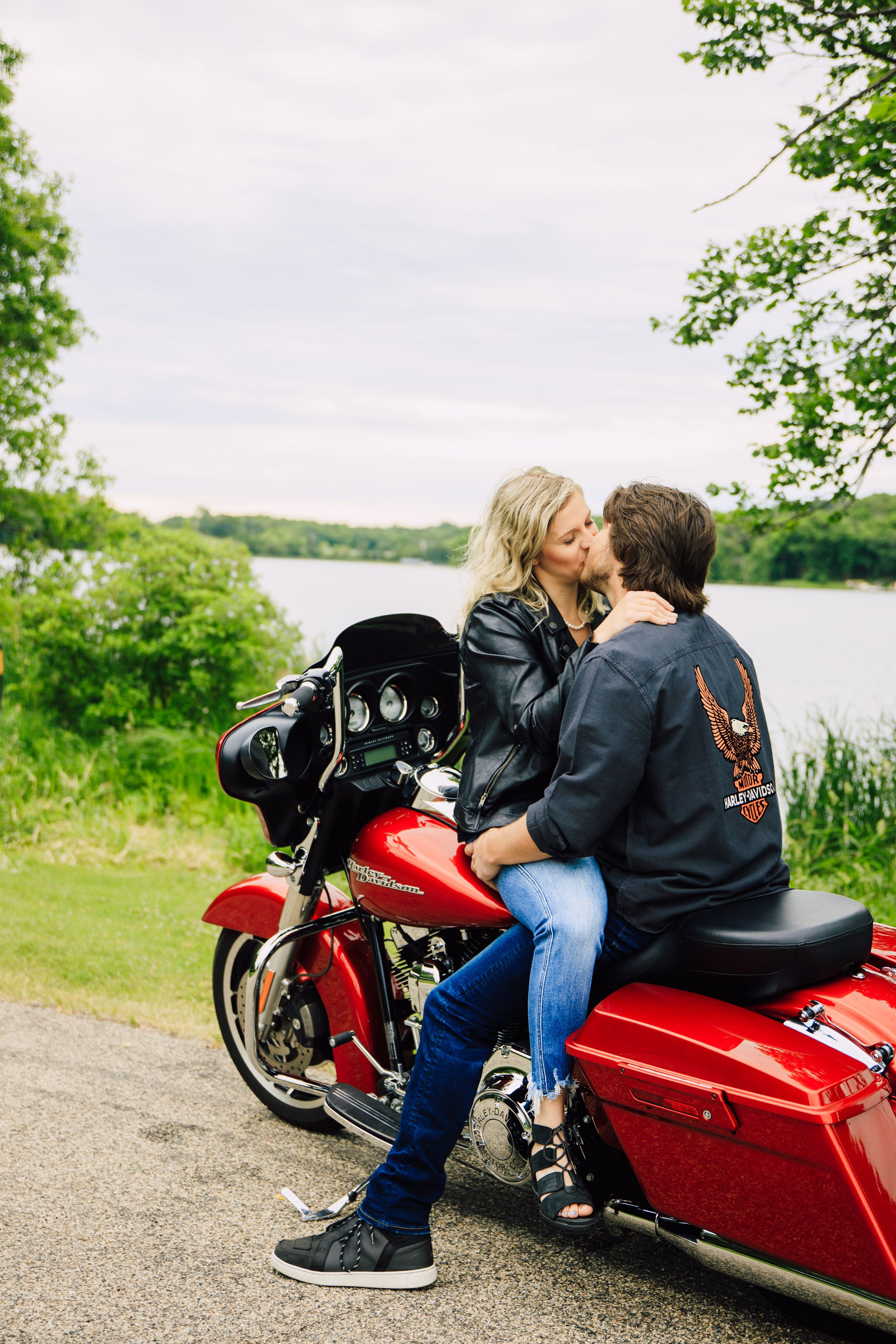 Engagment Love Story Detroit Lakes MN ND Photographer Dunton Locks
