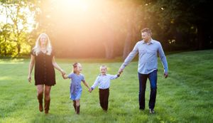Milwaukee Wauwatosa Brookfield Wisconsin Family Photographer