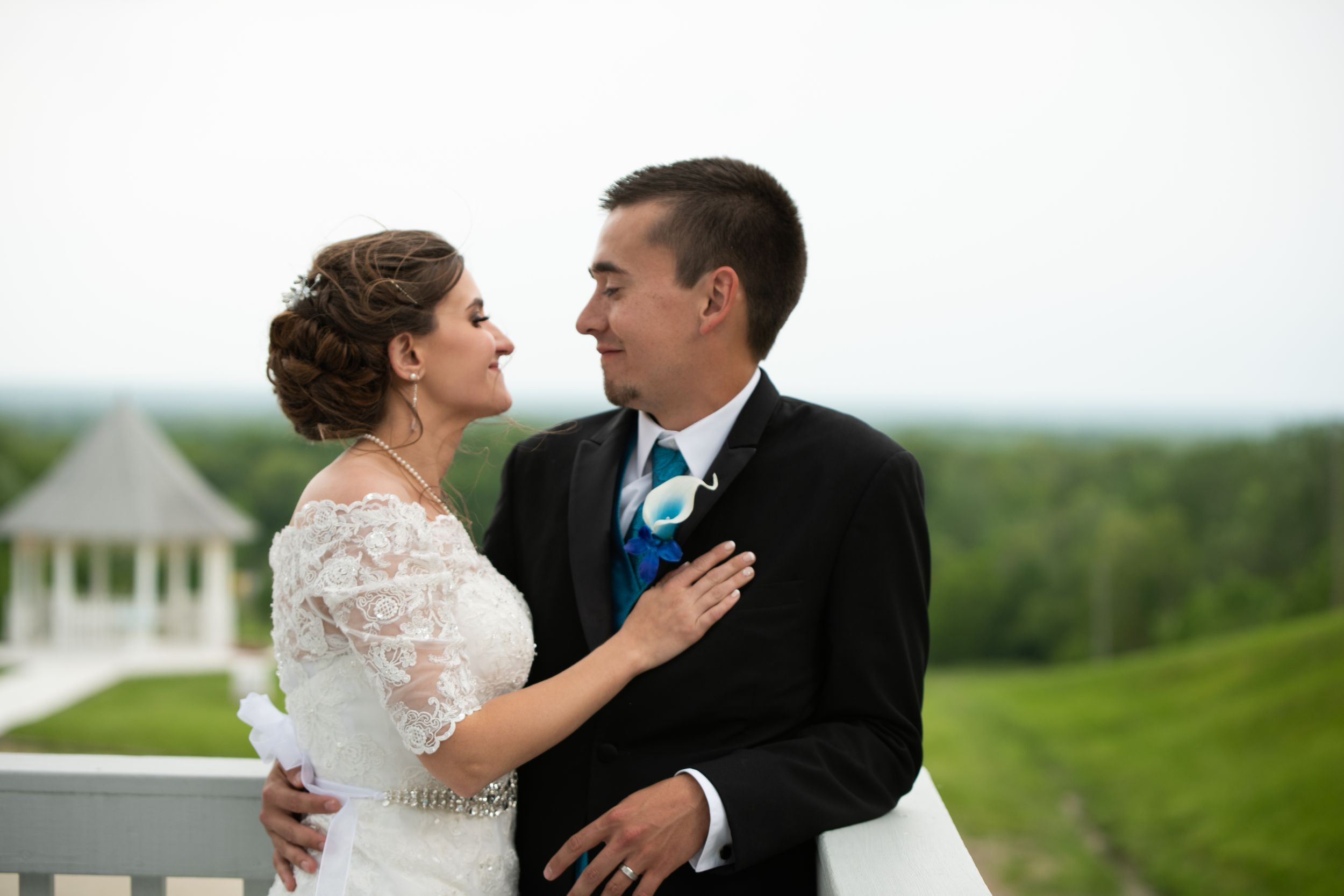 wedding couple, Skyview Lodge, Brunswick, Ohio