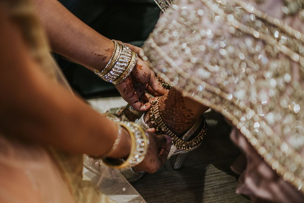 rebecca skidgel photography garre winery indian wedding california bride getting ready jewelry
