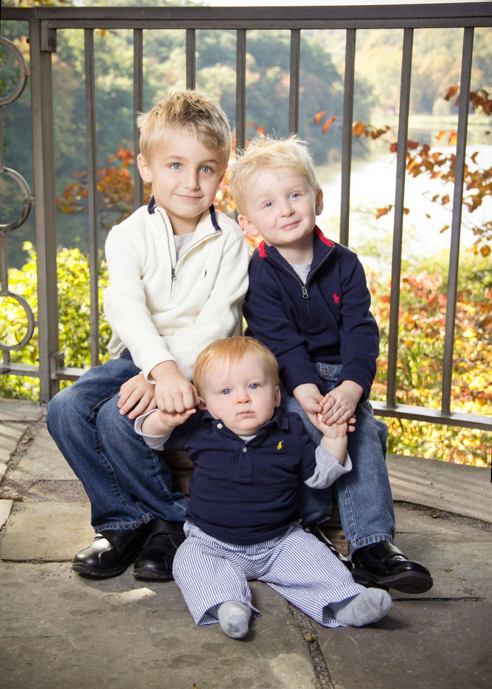 "<img src=""weaver_04"" alt=""youngstown family pictures"">"