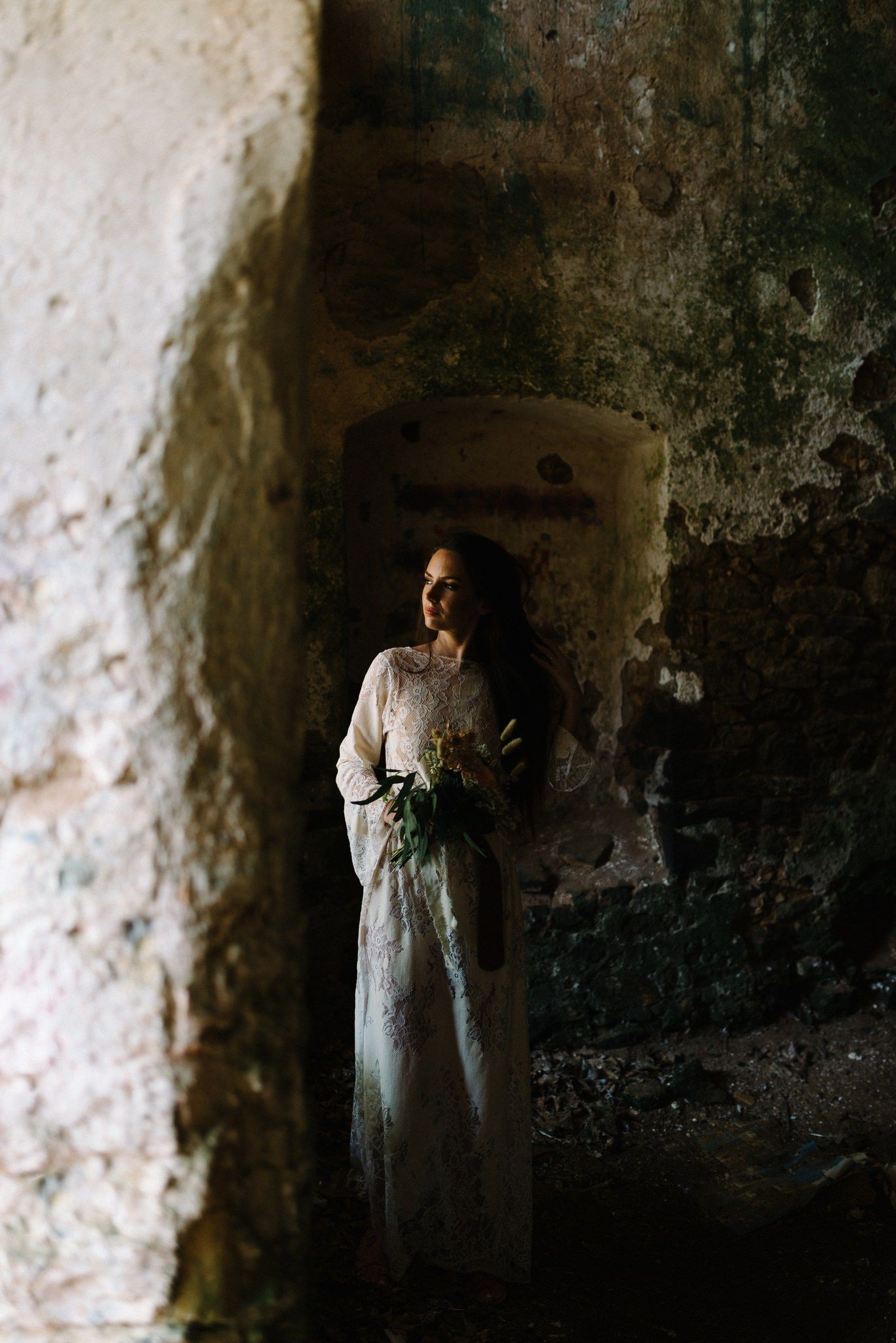 portrait of bride in pantocrator castle in preveza