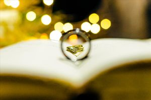 Wedding rings bible - Nicolas Fanny - Mauritius Wedding Photographer - Destination Wedding
