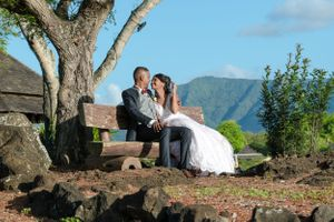 Couple bench - Nicolas Fanny - Mauritius Wedding Photographer - Destination Wedding