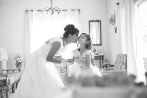 kissing daughter Nicolas Fanny - Mauritius Wedding Photographer - Destination Wedding