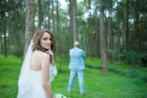 Discreet bride - Nicolas Fanny - Mauritius Wedding Photographer - Destination Wedding