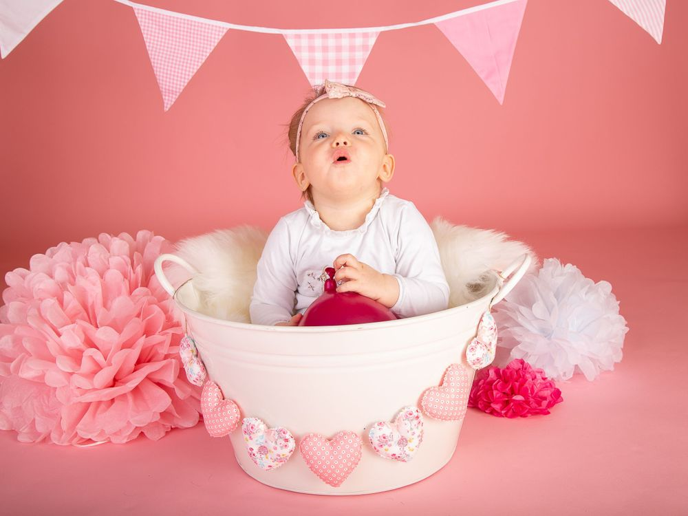 Grimsby Portrait and family photographer, Cake Smash Photography
