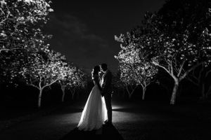backlight bride groom - Nicolas Fanny - Mauritius Wedding Photographer - Destination Wedding
