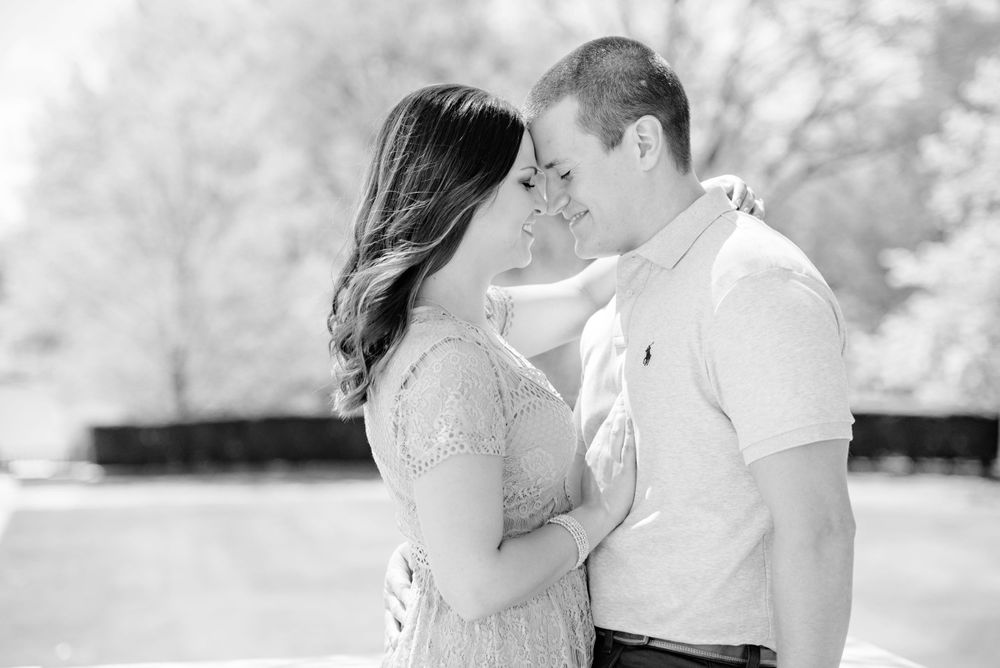 Spring engagement session at Cleveland Art Museum