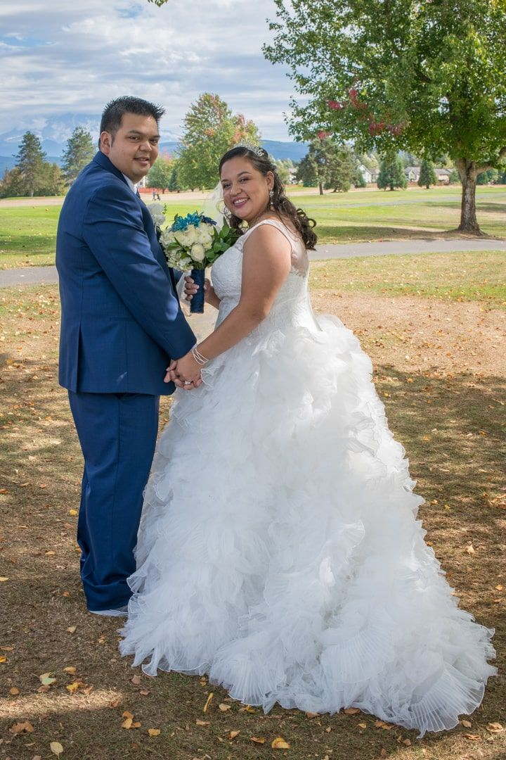 bride and groom formal at high cedars golf course in Orting