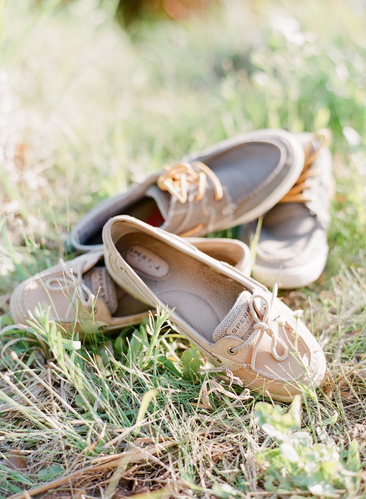 Oklahoma wedding engagement photographer engagements Aaron Snow Photography country lake summer couple Sperry Shoes