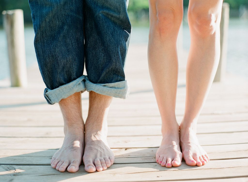 Oklahoma wedding engagement photographer engagements Aaron Snow Photography country lake summer couple Guthrie bare feet