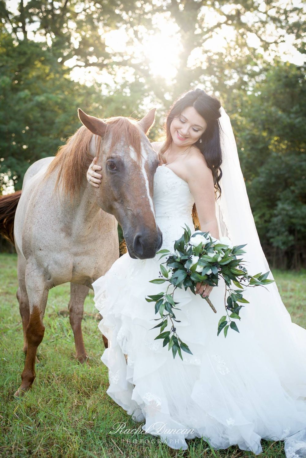southern bride, bridal session, louisiana bride, bride with horse, natural light photography