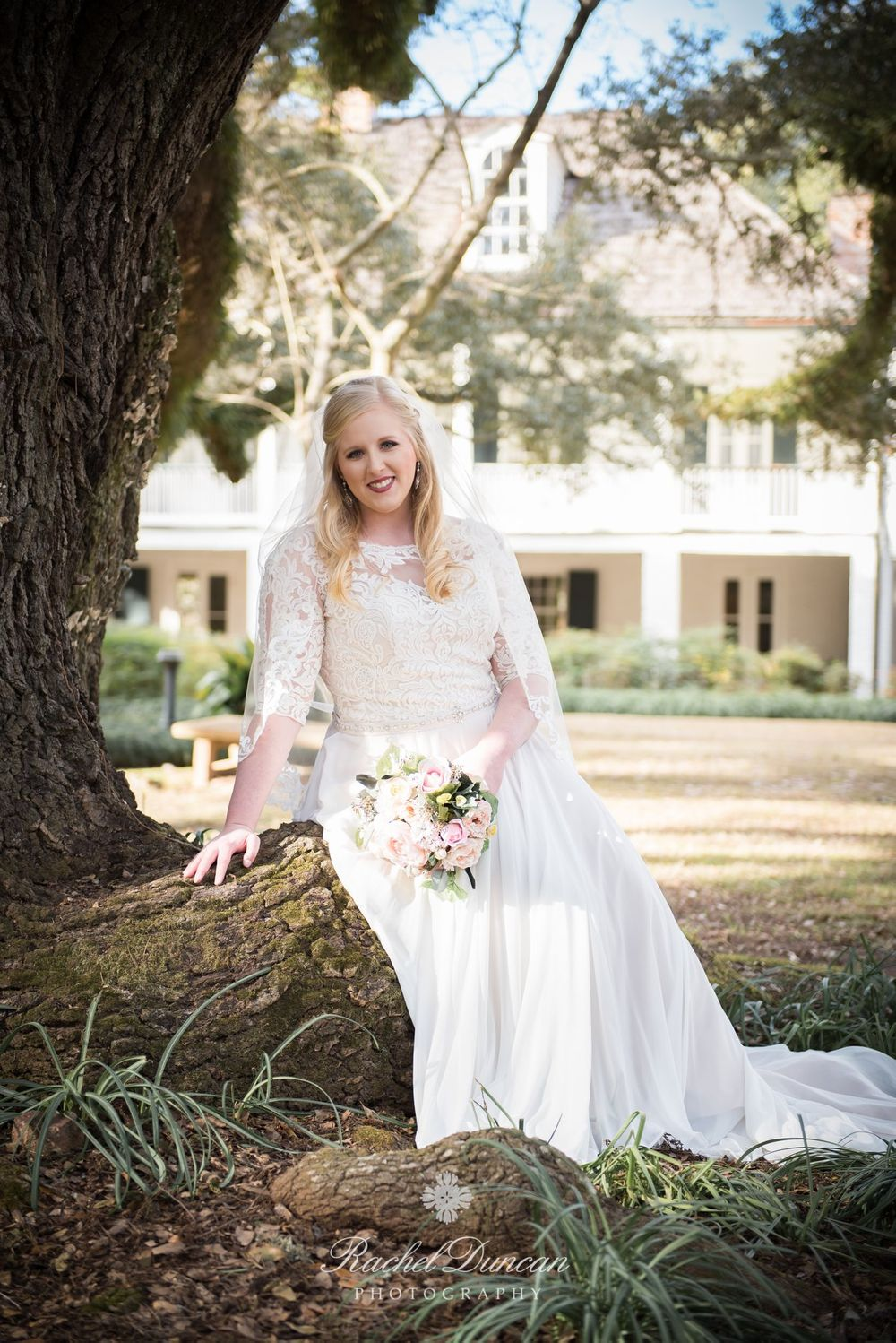 southern bride, bridal session, louisiana bride, plantation bride, natural light photography, melrose plantation