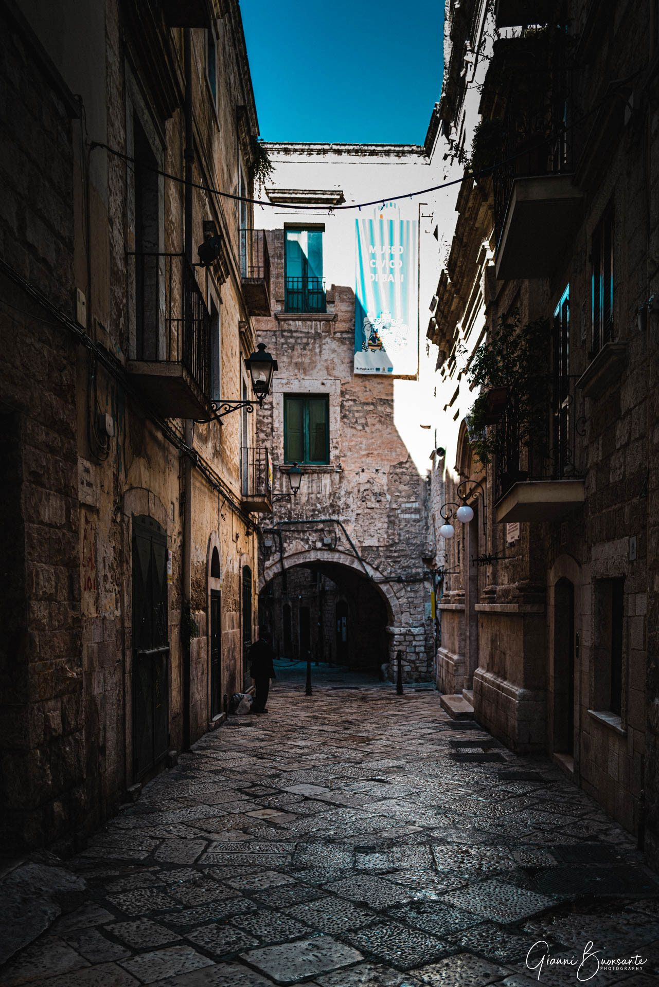 Street photographer in Bari, Puglia, Italy
