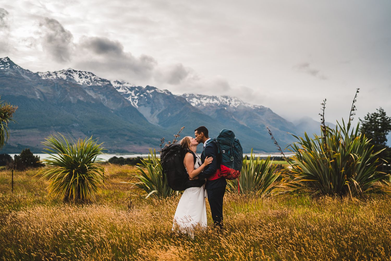 Photographer Maria Karlsson Swedish Adventure Elopement Couple and mountains New Zealand hiking backpacks