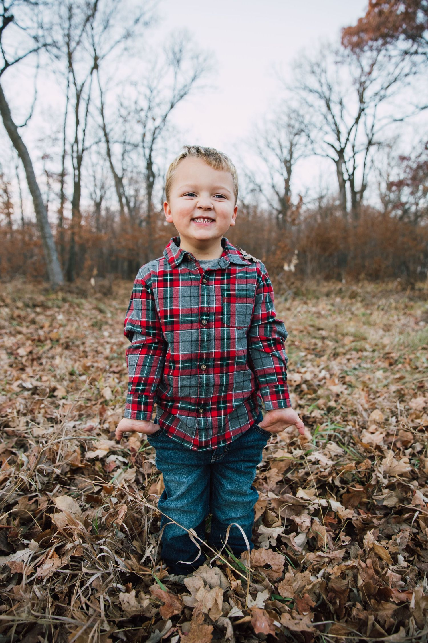 Minnesota North Dakota photographer glendalough state park family session children lifestyle photography looks like film