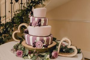 Wedding cake at Eastington Park
