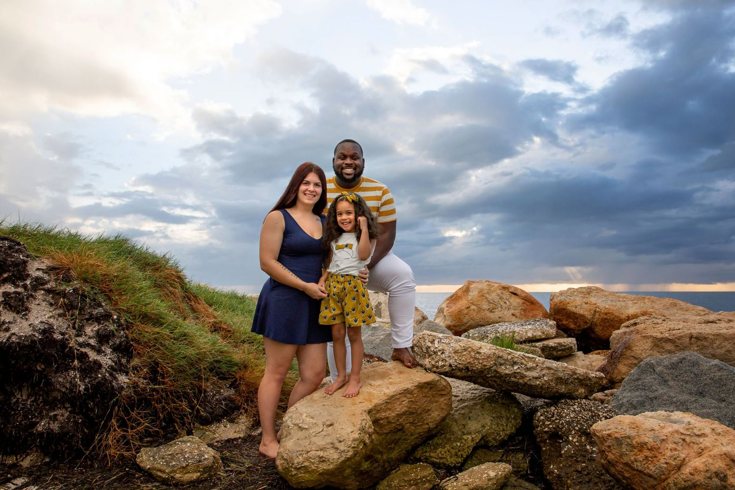 abundant grace photography, family photography, affordable beach photography